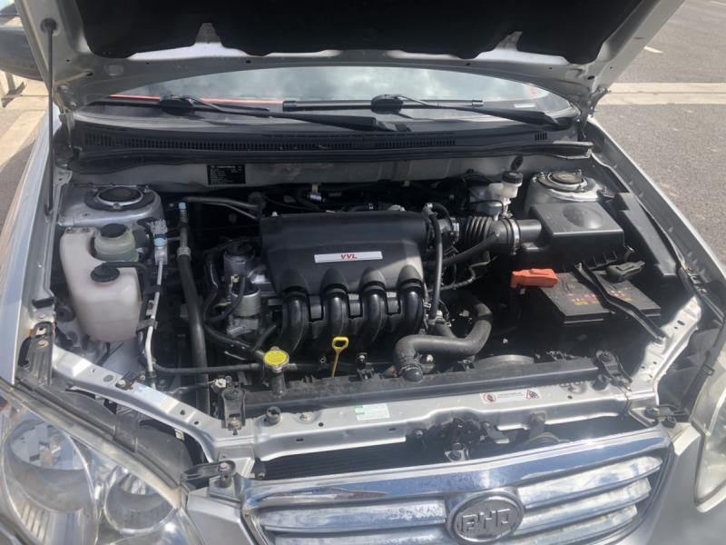 1.5L银色手动档比亚迪F3出售,7万6千公里