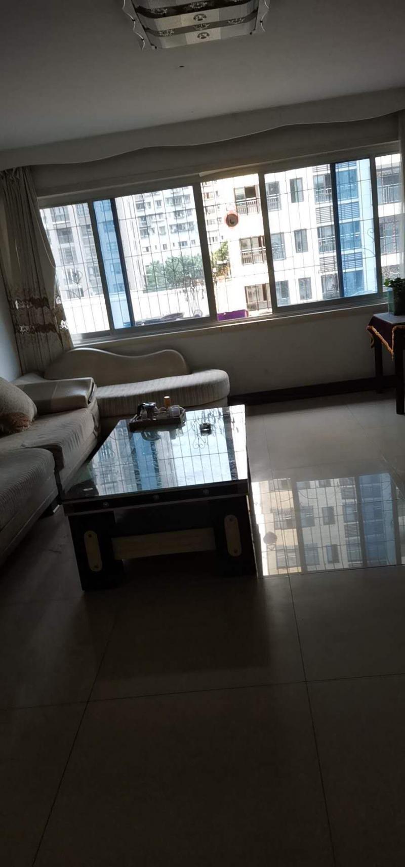 富民花园145平米4室1厅2卫住房1000元/月出租,拎包入