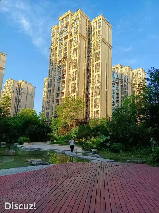 鸥鹏天境81平米中装3房出售,小区绿化环境好,亏本出售