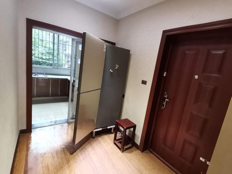 孙家书房2房出售:精装76平米53万