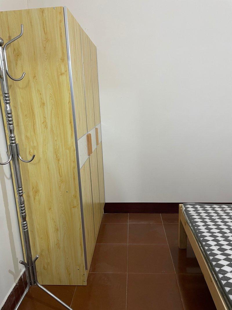 老百盛后门粮食小区13平米单间配套住房出租
