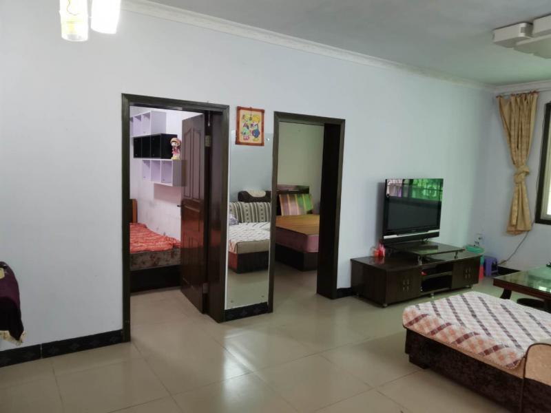 枇杷坪终点站附近69平米2室1厅1卫住房出售
