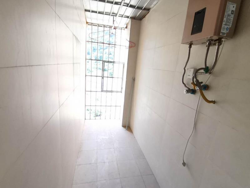 摩登时代精装3室2厅出售:79平米,售价53万