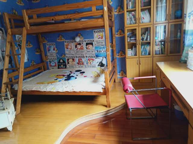 白岩路住房出售:户型3室2厅2卫,面积133平米,价格83万