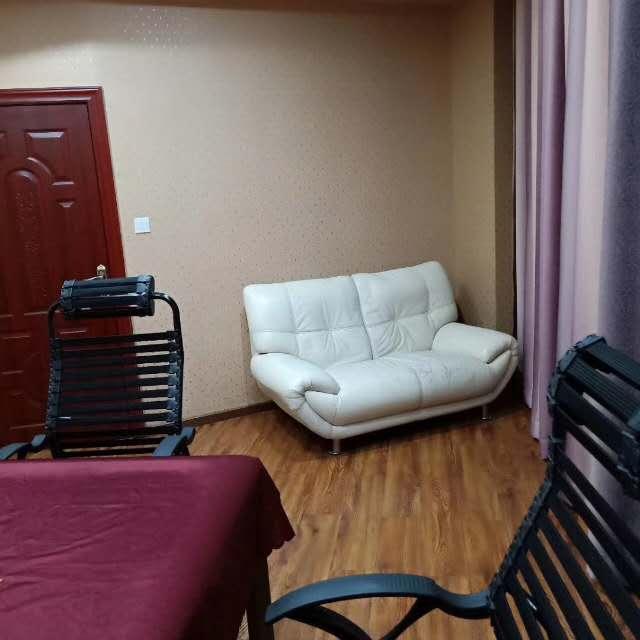 高笋塘市中心黄金地段茶楼转让,租金不高,面积近300平