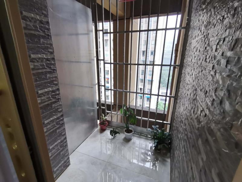 出售嘉鸿时代印象3室2厅精装77平米住房,售价58万