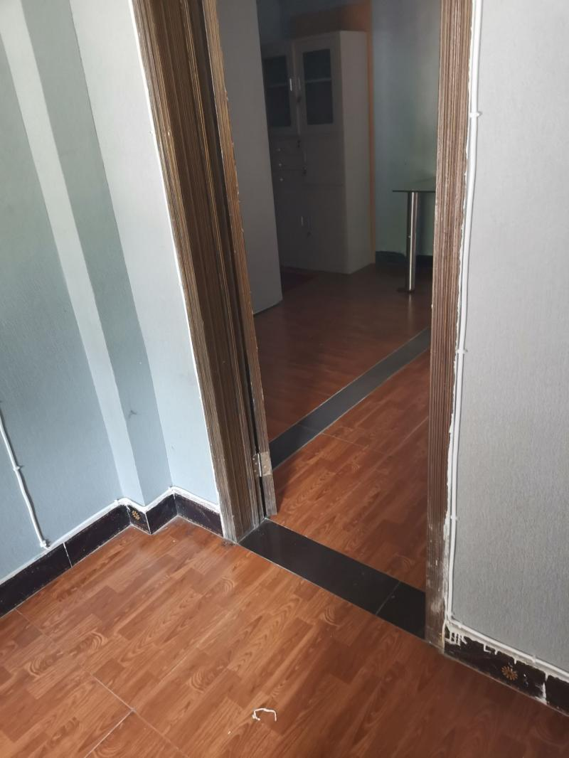 陶家坪小区15号楼3单元公交站附近住房兼门面出租