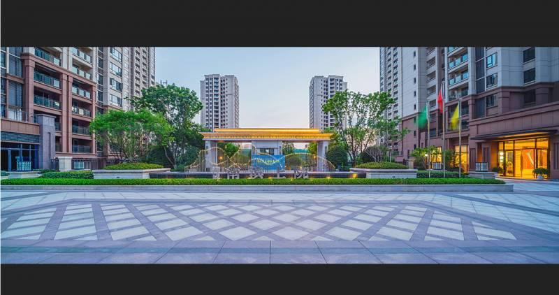 出售海成南滨上院3室2厅2卫103平米带车位清水房