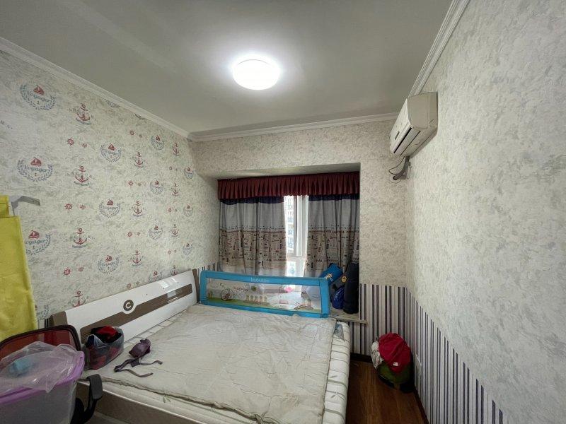 御景江城110平方精装3室2厅1卫65万出售