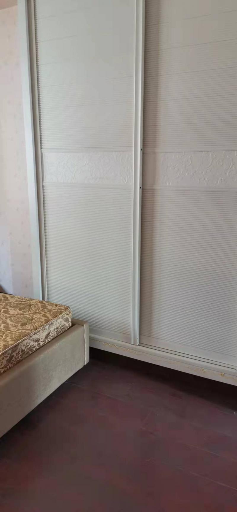 出租沙龙路精装101平米3室2厅1卫住房