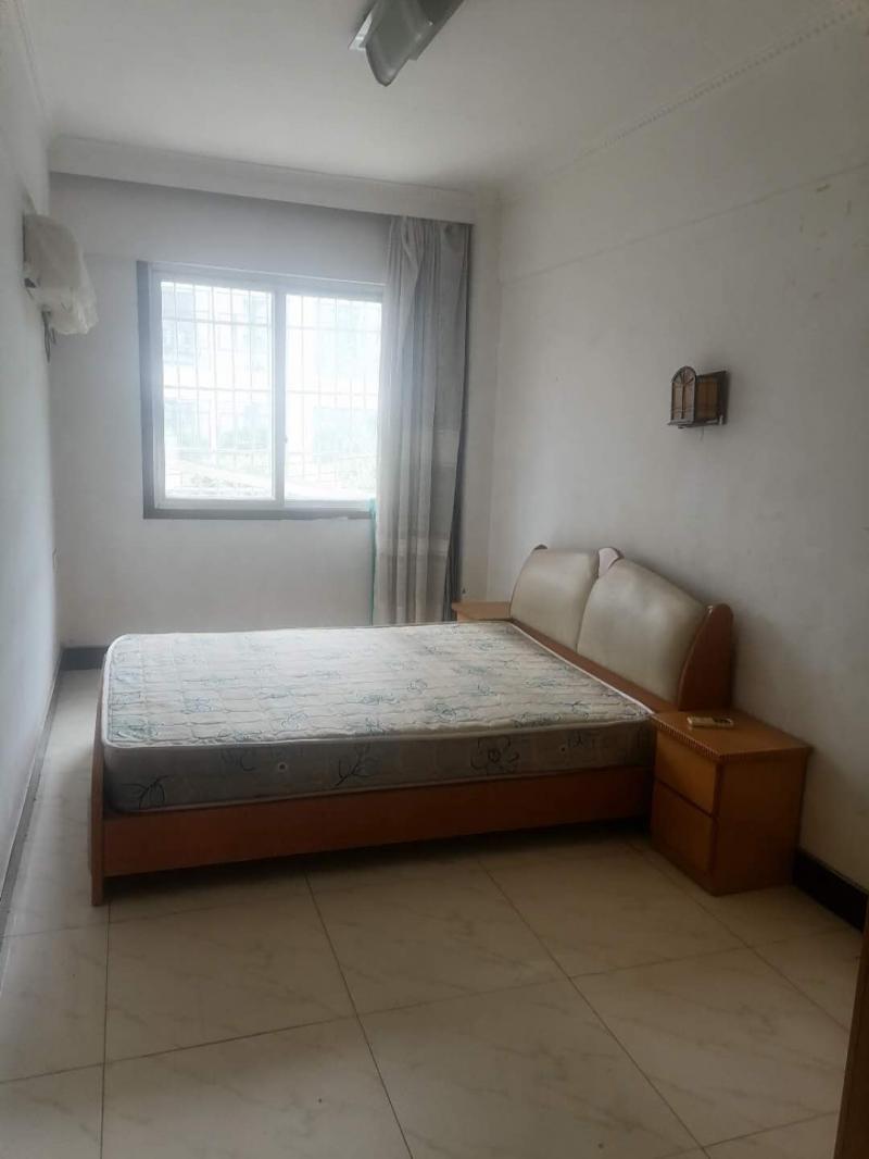 出租江山龙苑2室1厅1卫80平米住房(押1付12)