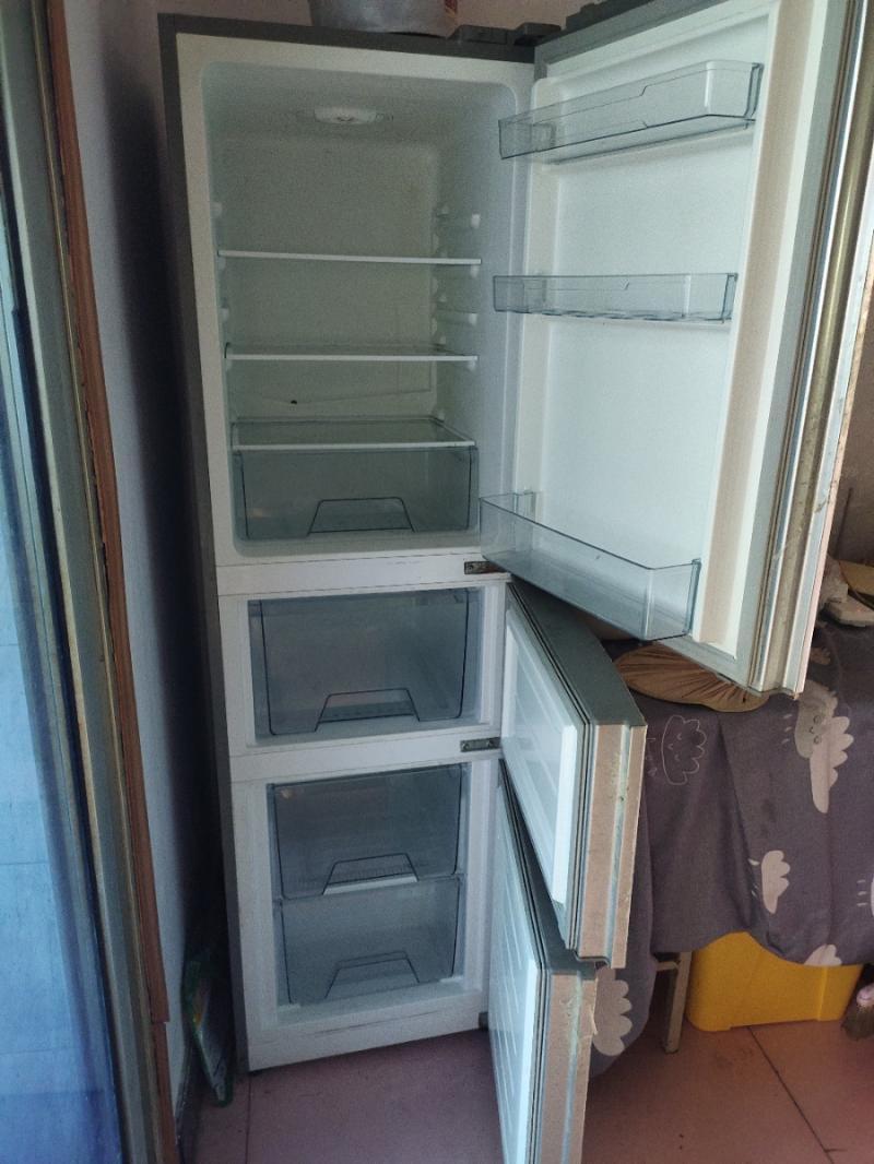 美的219升三开门冰箱,美的7kg全自动洗衣机出售