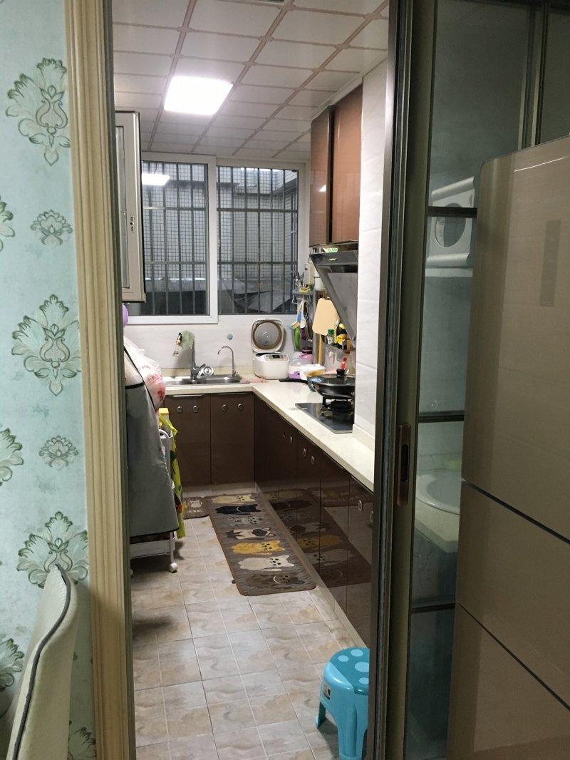 周家坝住房出售:60平米2室2厅1卫