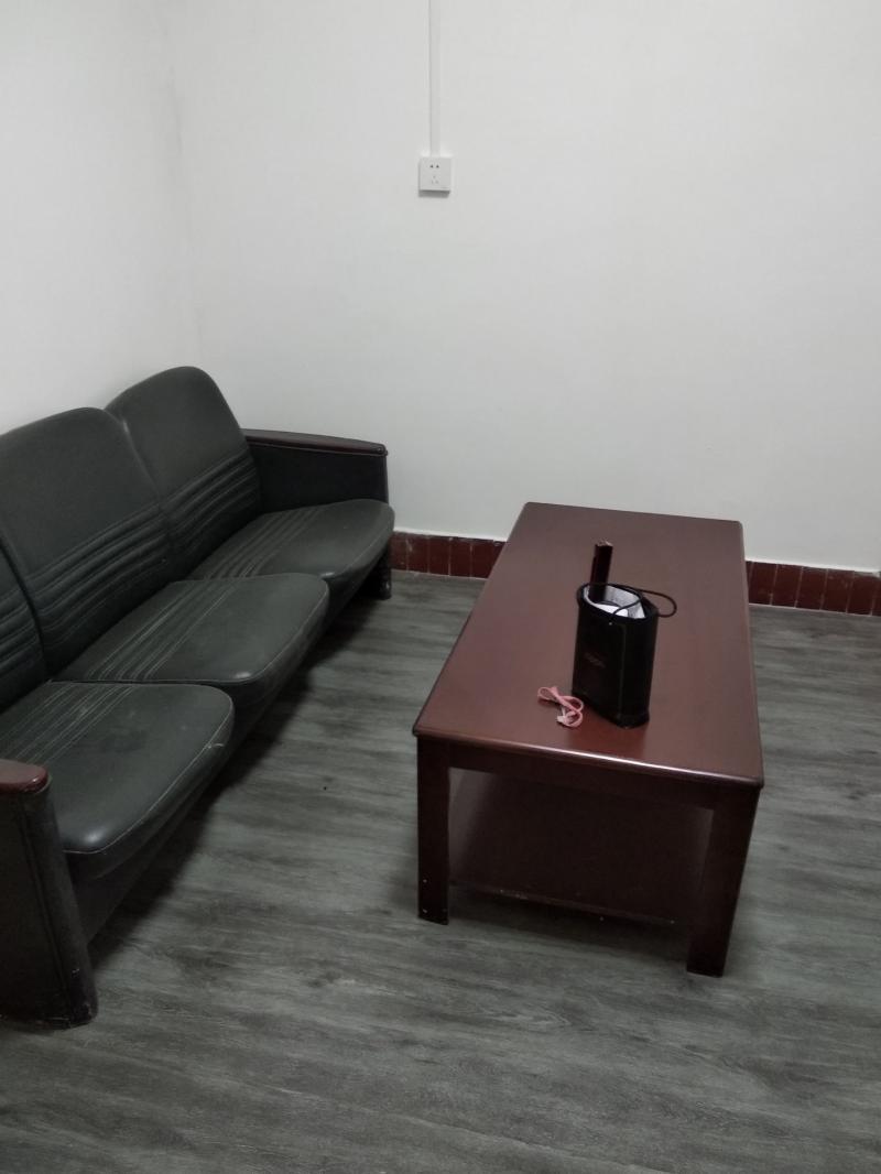 高笋塘简装1室1厅1卫出租:45平米550元/月
