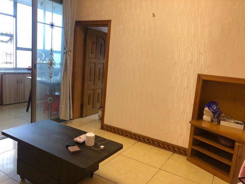 出售龙都广场43平米2室1厅1卫住房,只要13万
