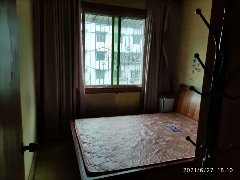 沙龙路老三峡学院2室1厅1卫60平米住房出售