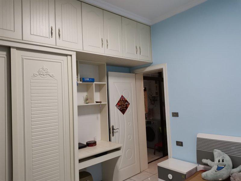 出租新城路2室1厅1卫住房,面积75平米,拎包入住